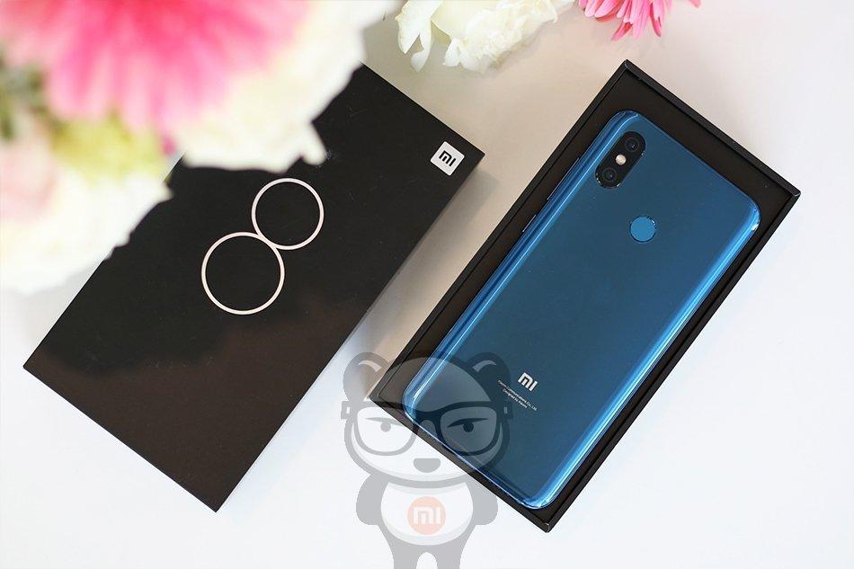 Распаковка Xiaomi Mi 8