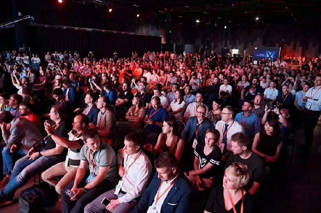 Xiaomi Mi TV презентация в России